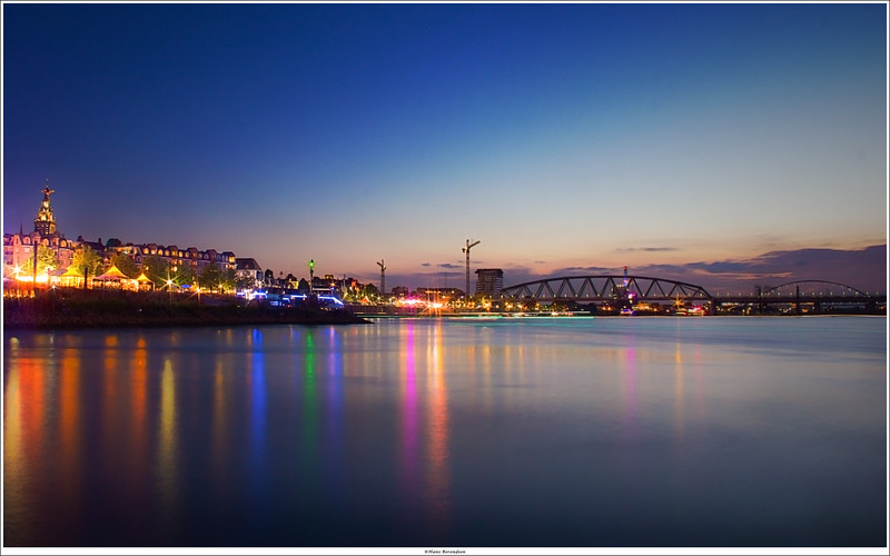 Nijmegen at night