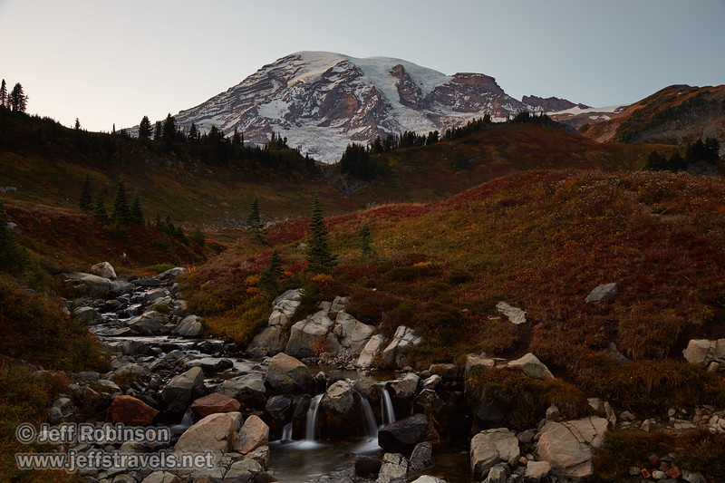 (9/9/2015, Myrtle Falls trail, Mt. Rainier NP)<br /> EF24-105mm f/4L IS USM @ 32mm f/9 5s ISO100