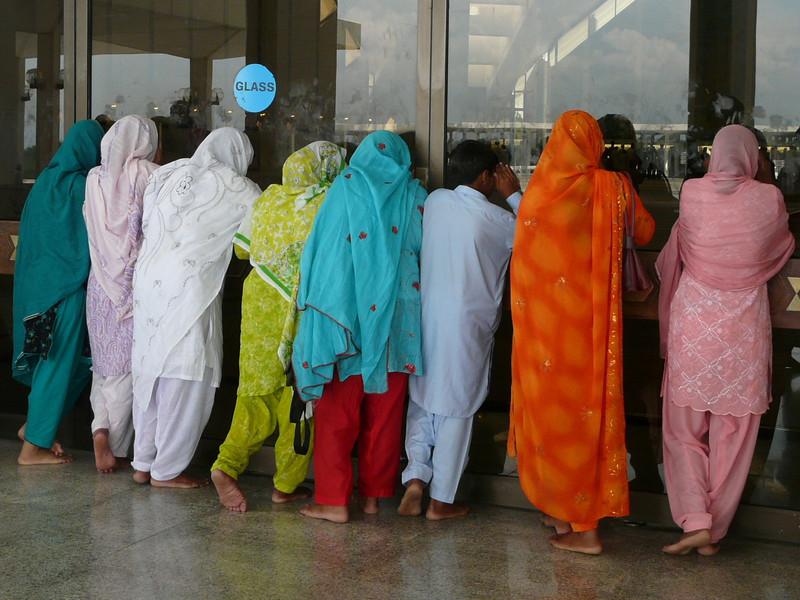 no women entrance (Shah Faisal Mosque)