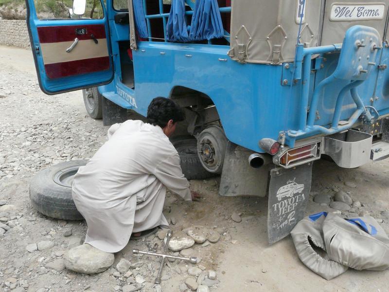change a tire (KKH)