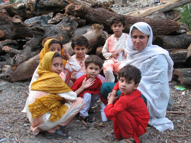 Pakistan family (Chilas - Karimabad)