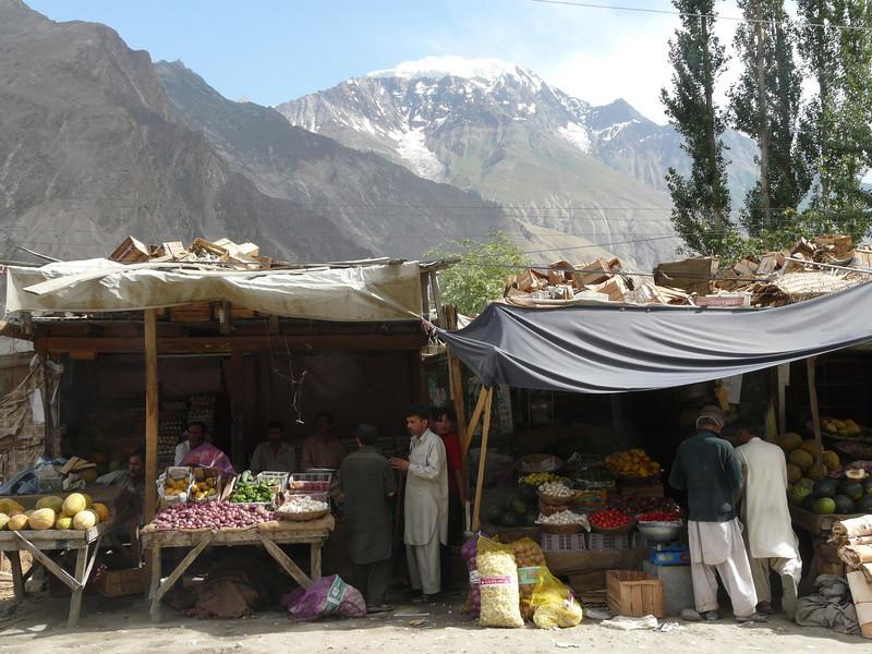 street stores (Karimabad)