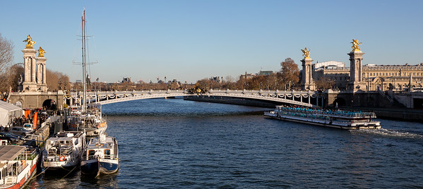 Le pont Alexandre III un fin de dimanche