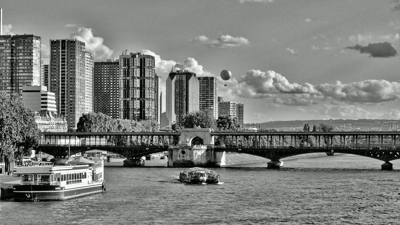 Le Pont de Bir-Hakeim et le Front de Seine