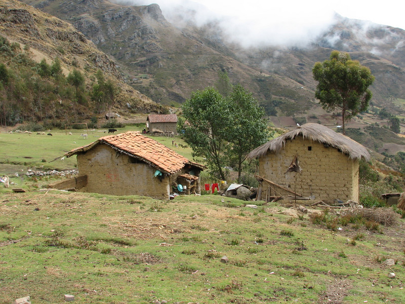 Farmhouses (Peru 2009, Cordillera Blanca)