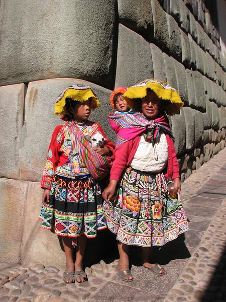 Traditionalattire (Peru 2009, Cusco 3360m. )