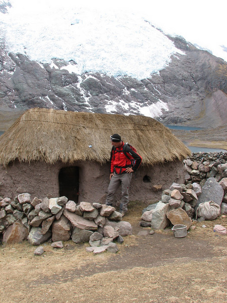 very small house for very small people (Peru 2009, Nevado Ausangate)