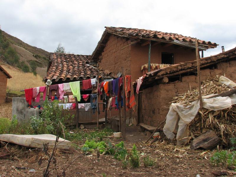 Drying the laundry (Peru 2009, Cordillera Blanca)