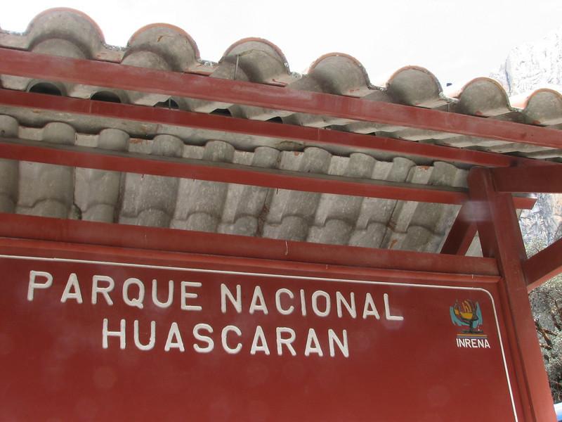 sign of the National Park: Huascaran (Peru 2009, Huaraz (3090m.))