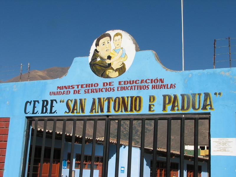 school entrance (Peru 2009 Caraz (2290m))