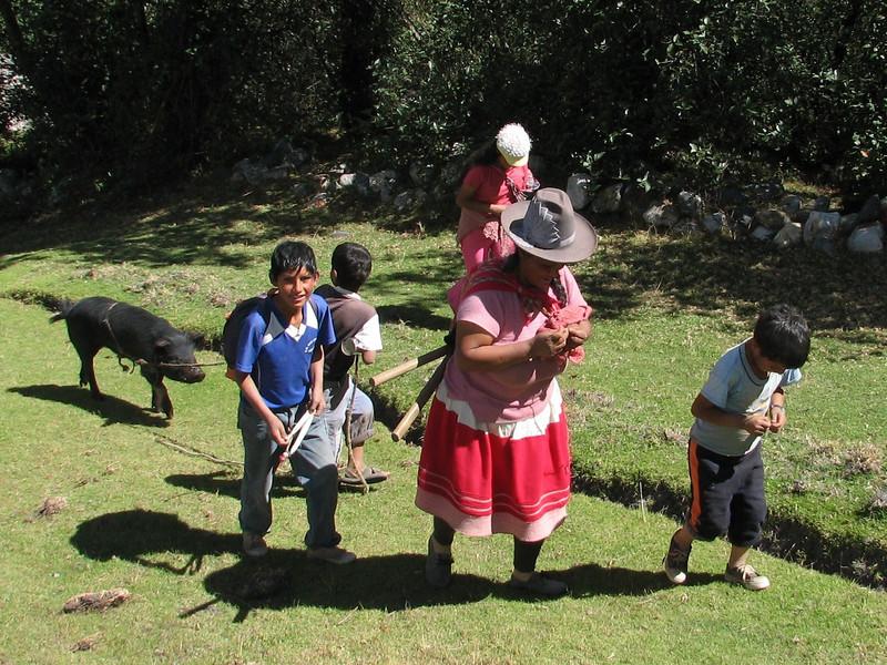 farmer family (Peru 2009, near Huaraz (3090m.))