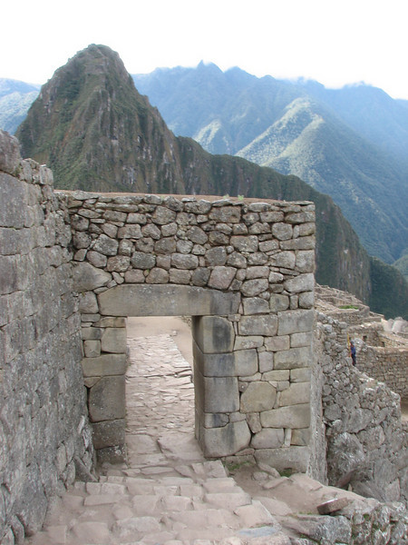 the entrance door (Peru 2009, Machu Picchu 2430m.)
