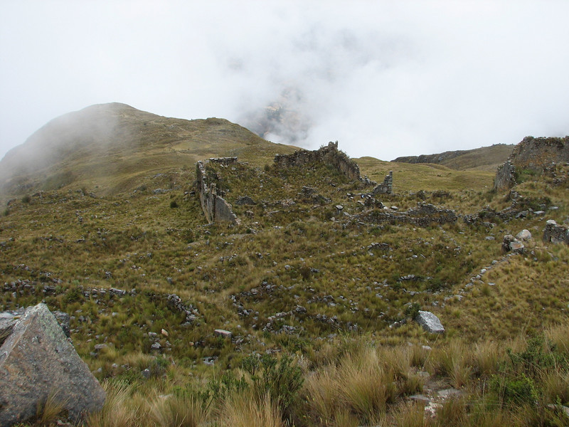 The pre Inca ruins of Yaino (Peru 2009, Cordillera Blanca)