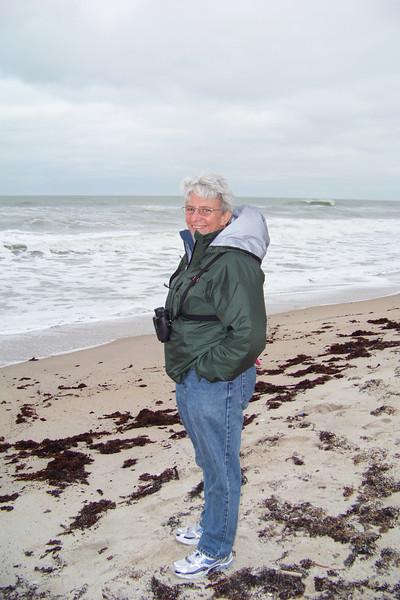 The Sweatshirt-hooded Jeane bird