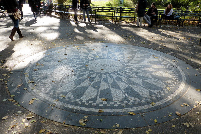 John Lennon Memorial - Strawberry Fields - Central Park