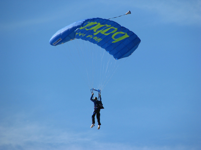 Sky diving (Maspalomas dunes)