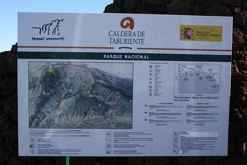 Sign near Roques de los Muchachas, 2400m, Parque Nacional de la Caldera de Taburiente