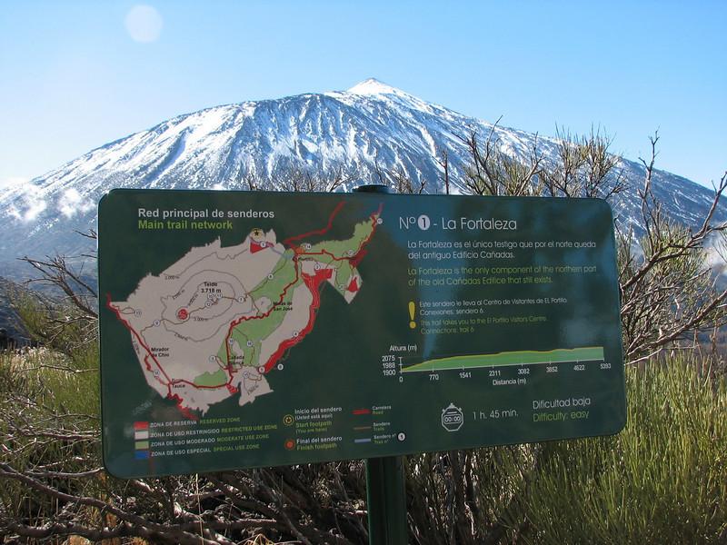 walking trail (Parque Nacional Del Teide, El Portillo)