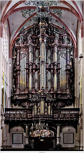 The big organ of St. John, dating back to 1618