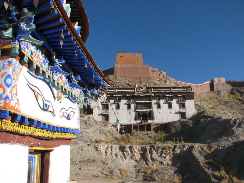 monastery walls (Shigatse)