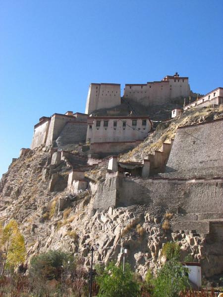 castle of Gyangtse 3990m.