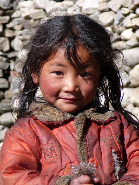 Tibetian girl near Kartha (Kangchungtrek)