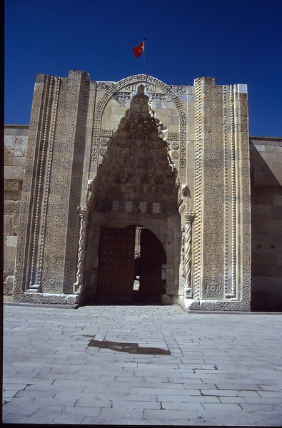 main gate (Kervansaray)