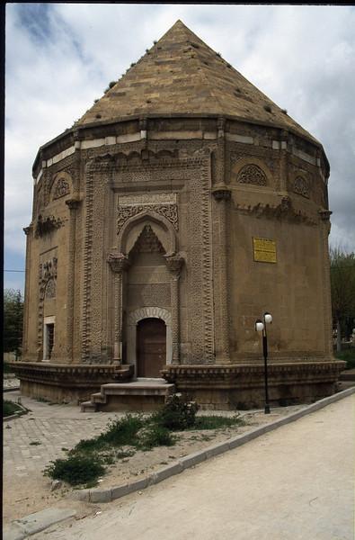 Mausoleum (Nigde, Taurus)