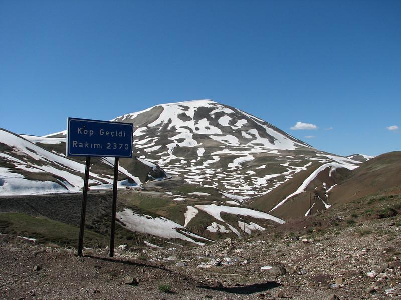 Kopdagi Gecidi pass 2390m. (near Bayburt, North East Turkey spring 2007)