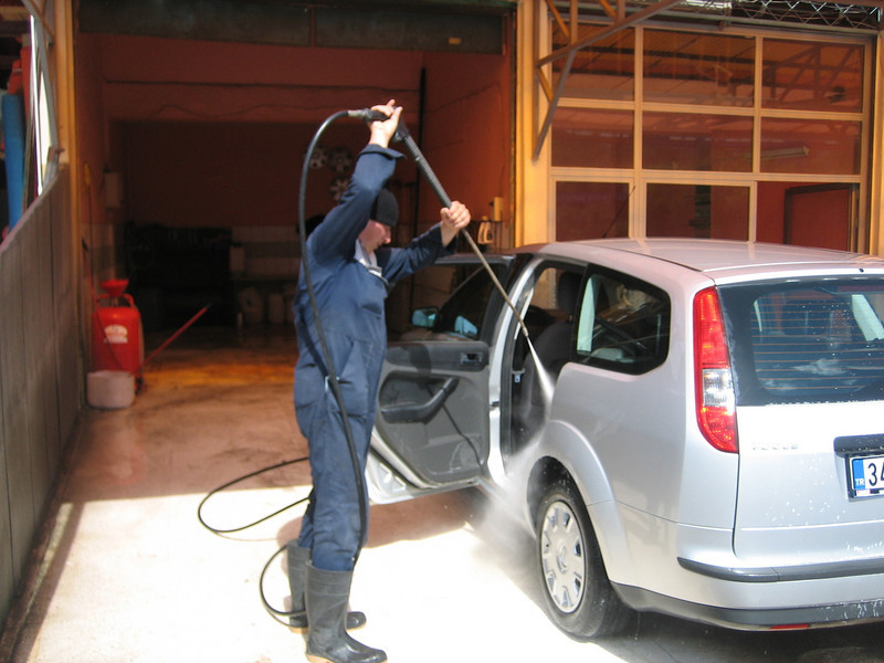 high pressure cleaning, also insite the car (North East Turkey spring 2007)