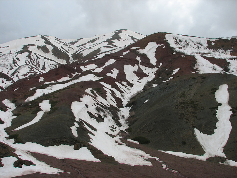 Karagöl Dağları, south of Çat (South of the Palandöken mountains) (North East Turkey spring 2007)