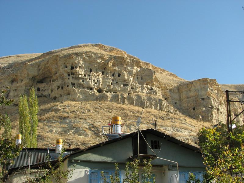 Rock houses, Gurün
