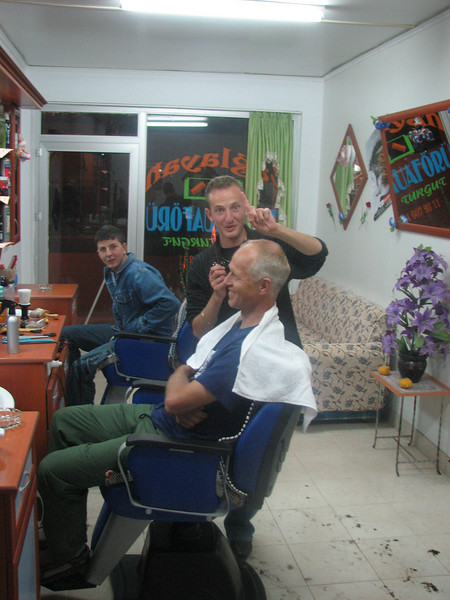 Marijn at the barber in Golihisar