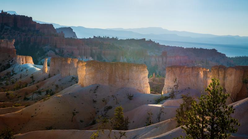 Fairyland Trail Illuminated - Bryce Canyon