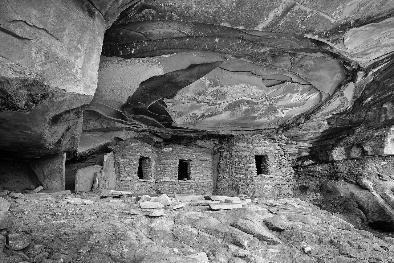 Fallen Roof Cliff Dwelling (Black and White)
