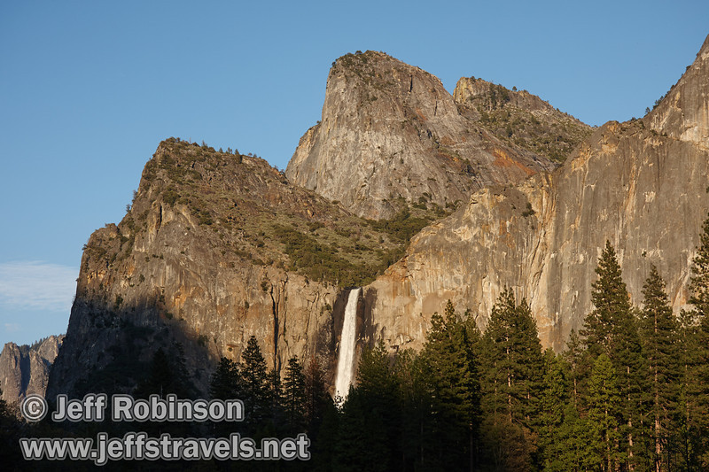 Late sun on Bridalveil Fall below the Cathedral Rocks). Seen from the Valley View turnout on Northside Drive (5/15/2010, Yosemite NP)<br /> EF-S17-85mm f/4-5.6 IS USM @ 41mm f8 1/200s ISO160