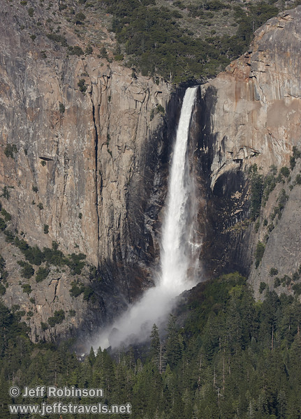 Bridalveil Fall. Seen from Tunnel View. (5/15/2010, Yosemite NP)<br /> EF100-400mm f/4.5-5.6L IS USM @ 160mm f8 1/500s ISO200