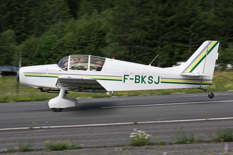 F-BKSJ SAN Jodel D.140 Mousquetaire c/n 97 Megeve/LFHM/MVV 04-07-08