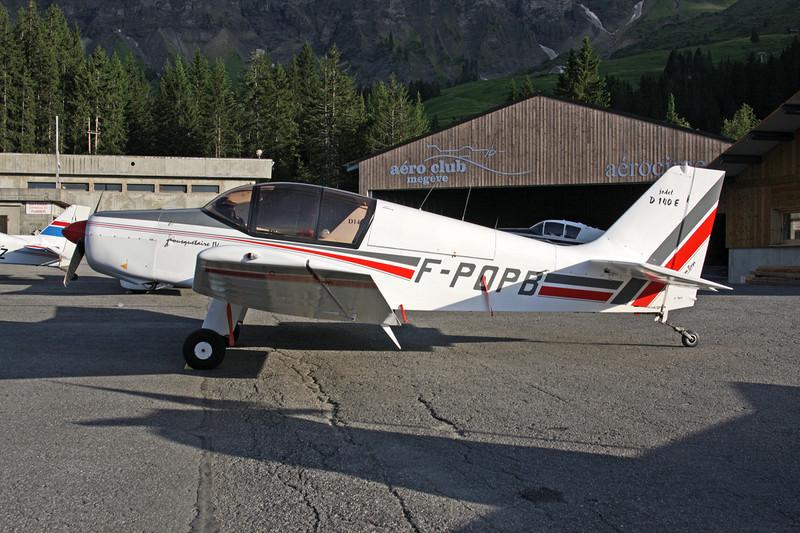 F-POPB Jodel D.140E Mousquetaire c/n 461 Megeve/LFHM/MVV 04-07-08
