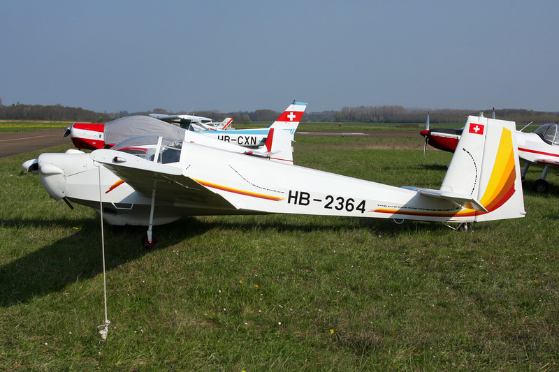 HB-2364 Scheibe SF-25B Falke c/n 1808 Beaune/LFGF/XBV 17-04-10