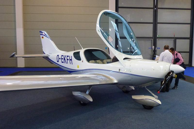 D-EKFH Czech Sport Aircraft PS-28 Cruiser c/n C0445 Friedrichshafen/EDNY/FDH 20-04-12