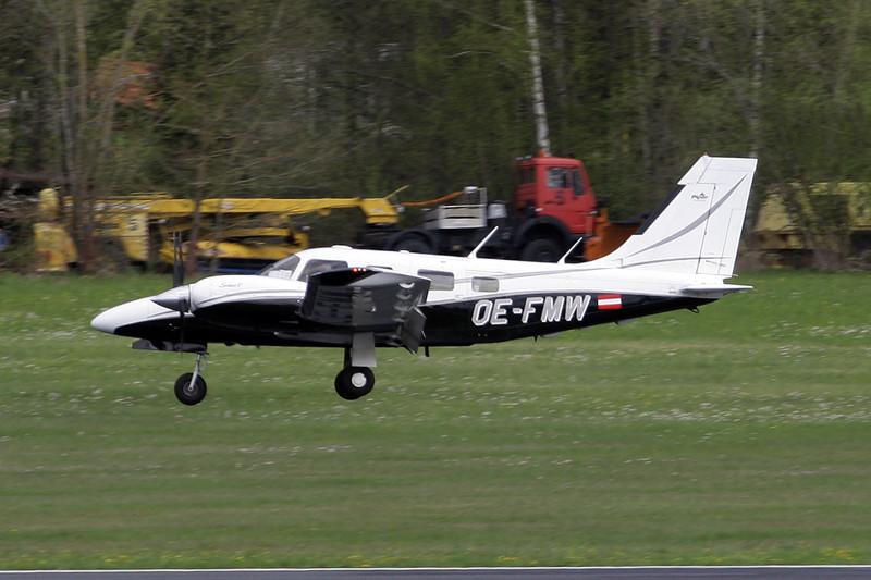 OE-FMW Piper PA-34-220T Seneca V c/n 3439221 Friedrichshafen/EDNY/FDH 20-04-12