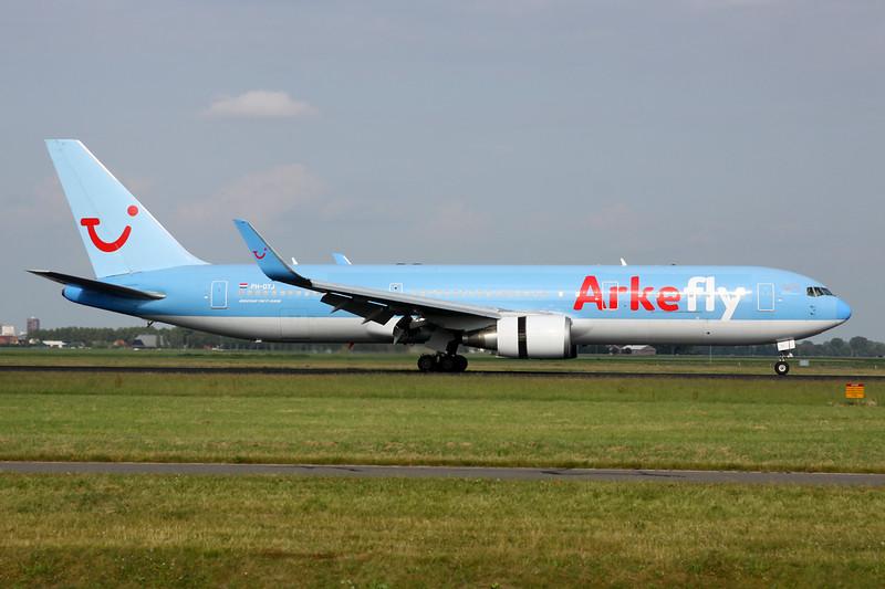 """PH-OYJ Boeing 767-304ER """"Arkefly"""" c/n 29384 Amsterdam/EHAM/AMS 21-06-14"""