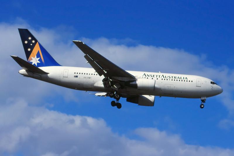 VH-RMF Boeing 767-277 c/n 22694 Sydney-Kingsford Smith/YSSY/SYD 02-05-99 (35mm slide)