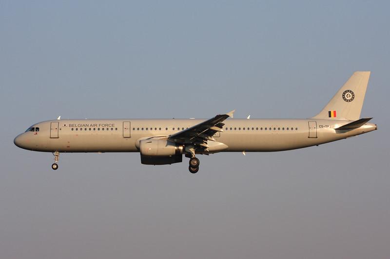"""CS-TRJ Airbus A321-231 """"HiFly"""" c/n 1004 Brussels/EBBR/BRU 17-03-16 """"Belgian Air Force"""""""