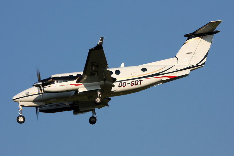 OO-SDT Beech 350 Super King Air c/n FL-786 Brussels/EBBR/BRU 07-07-13