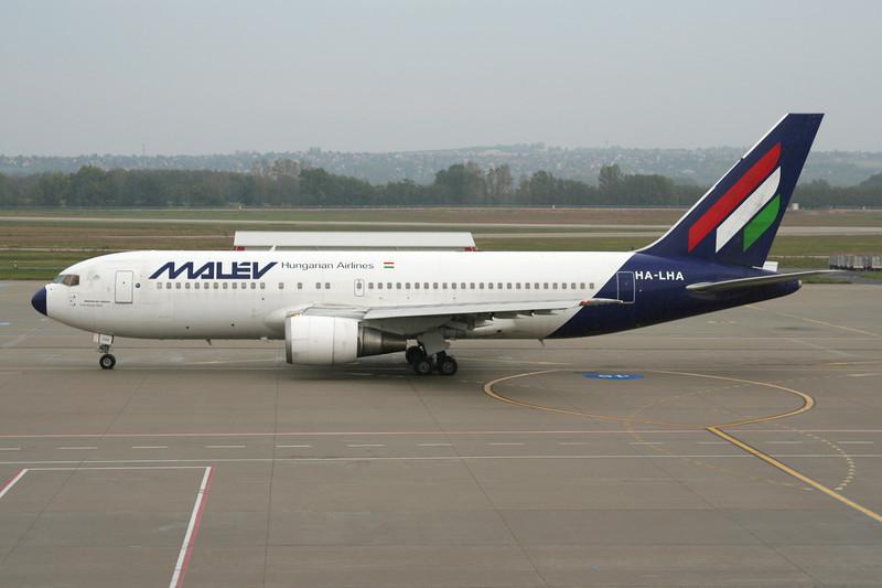 HA-LHA Boeing 767-27GER c/n 27048 Budapest/LHBP/BUD 27-09-07