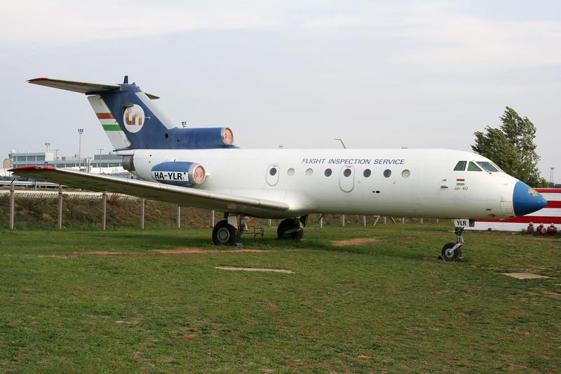 HA-YLR Yakovlev Yak-40 c/n 9541044 Budapest-Ferihegy/LHBP/BUD 27-09-07