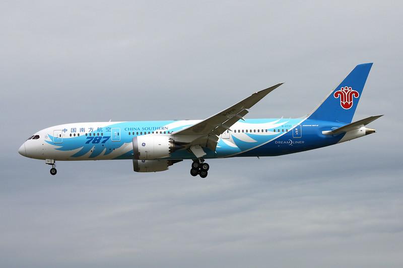 B-2737 Boeing 787-8 c/n 34930 Vancouver/CYVR/YVR 29-04-14