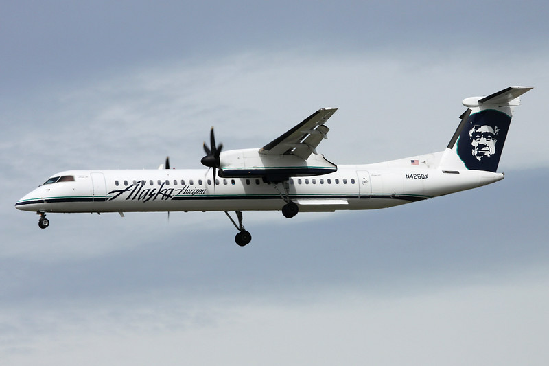 "N426QX de Havilland Canada DHC-8Q-402 ""Alaska Horizon"" c/n 4154 Vancouver/CYVR/YVR 29-04-14"